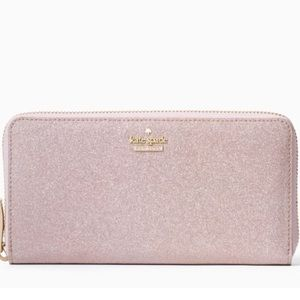Kate Spade ♠️ Glitter wallet.